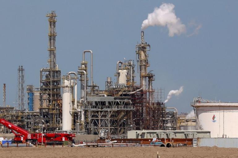 Une usine de pétrole au Koweït