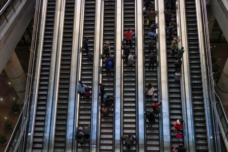 Des escalators dans une gare de Pékin (photo d'illustration)