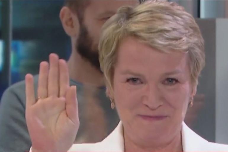 Élise Lucet, lors de ses adieux au JT, le 29 avril 2016 sur France 2