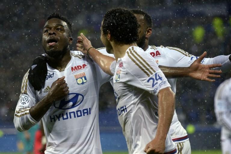 Lyon reste le dauphin du PSG grâce à sa victoire
