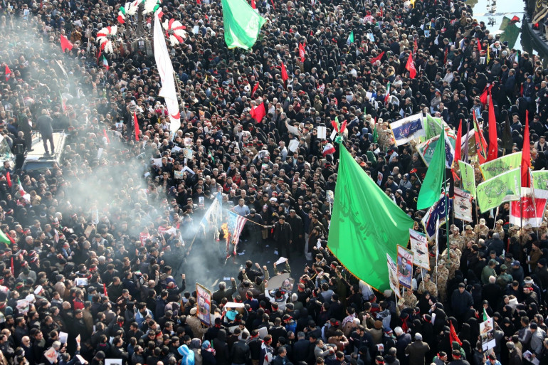 Le cortège funèbre accompagnant le cercueil du général Soleimani à Téhéran (Iran), le 6 janvier 2020