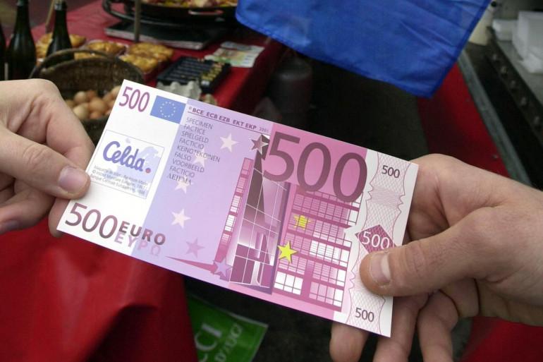 Un billet factice de 500 euros à Pont-l'evêque en 2001