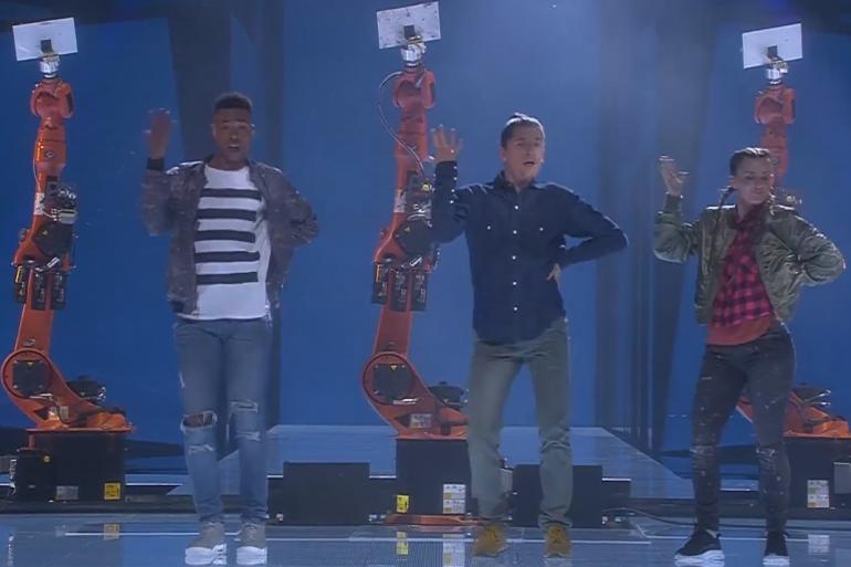 """""""Man vs Machine"""" à l'Eurovision, à Stockholm le 12 mai 2016"""