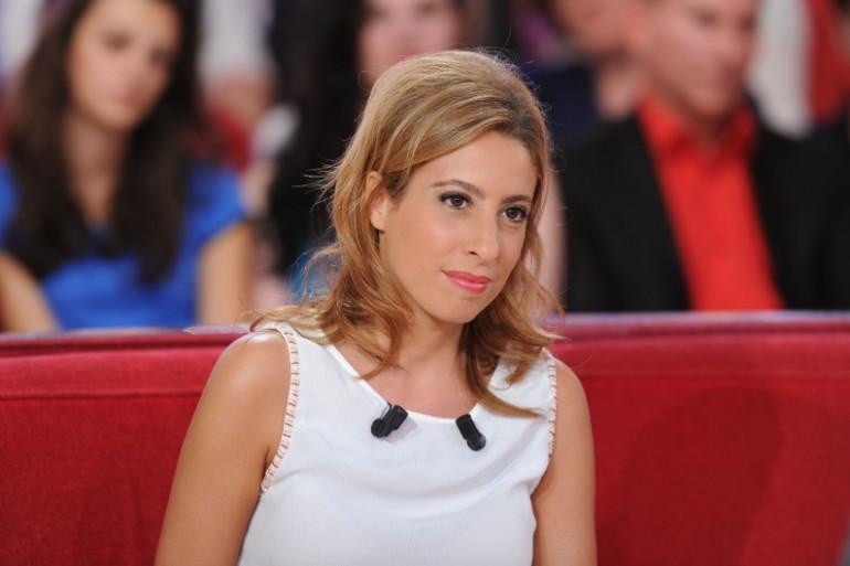 """Léa Salamé, invitée de """"Vivement Dimanche"""" en septembre 2015"""