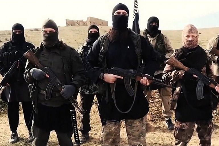 Des combattants de l'État islamique dans une vidéo de propagande datant de juin 2015.