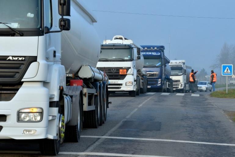 Un blocage routier près de la raffinerie de Donges, le 16 mars 2015