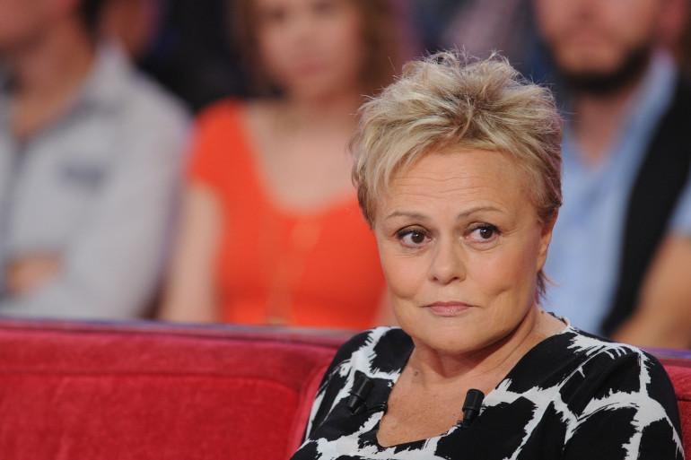 """Muriel Robin en septembre 2015 dans l'émission """"Vivement Dimanche"""""""