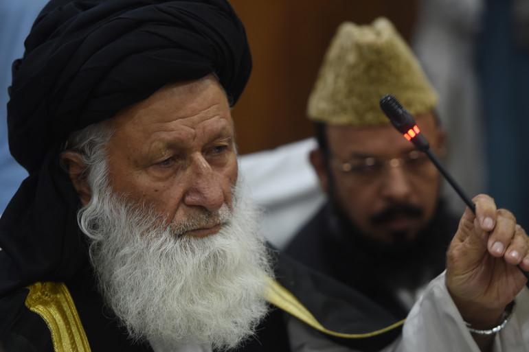 Maulana Muhammad Khan Sherani le président du Conseil de l'idéologie islamique lors d'une conférence de presse en date du 26 mai 2016