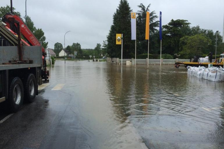 Une-route sous l'eauà Bracieux dans le Loir-et-Cher