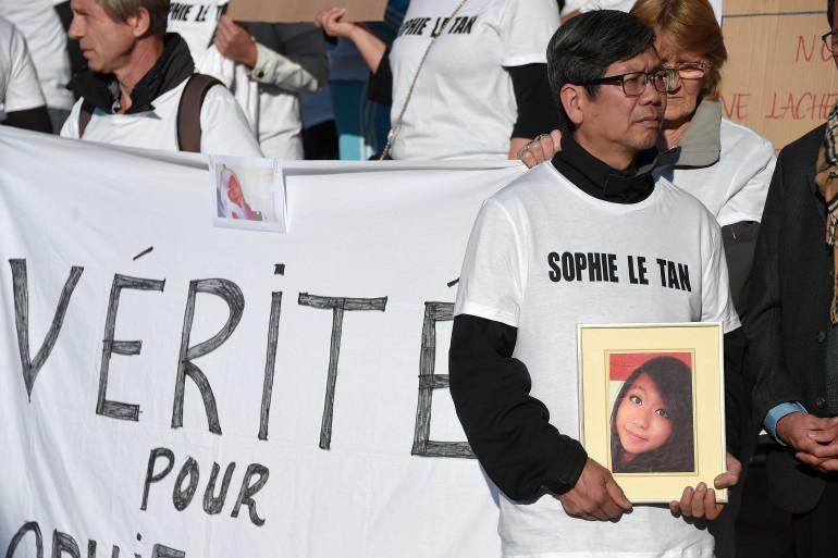 Le père de Sophie Le Tan, Tan Tri Le Tan, le 5 octobre 2018 lors d'une marche pour la victime, à Strasbourg