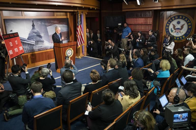 Le chef de la majorité au Sénat, Mitch McConnell, tient une conférence de presse après le vote du Sénat d'acquitter le président Donald Trump le mercredi 5 février.
