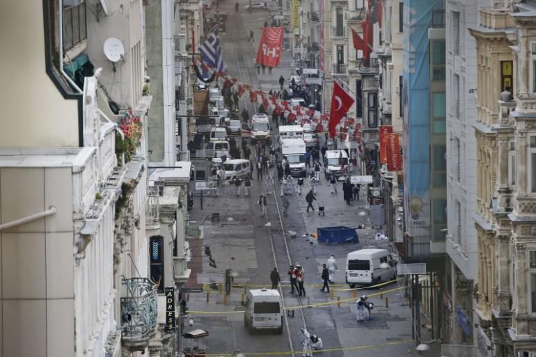 Un attentat-suicide a fait au moins quatre morts à Istanbul le 19 mars 2016.