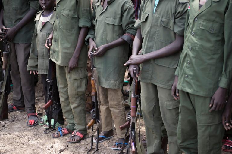 Soudan du Sud : des enfants soldats rendent les armes lors d'une cérémonie sous l'égide de l'Unicef le 10 février 2015 (illustration).
