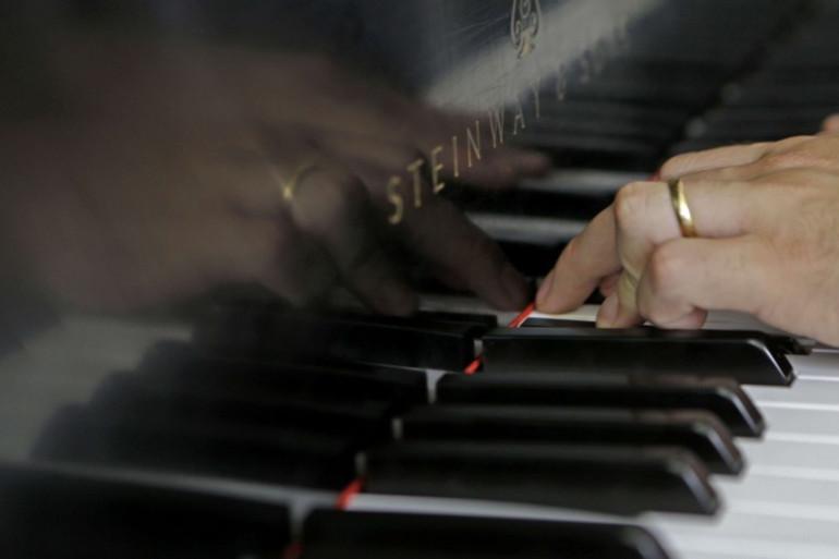 Des touches d'un piano (illustration)