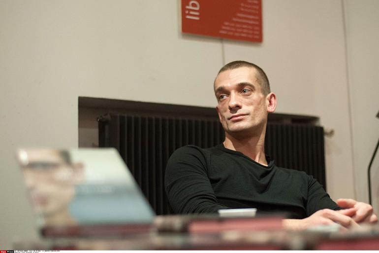L'artiste russe Piotr Pavlenski.