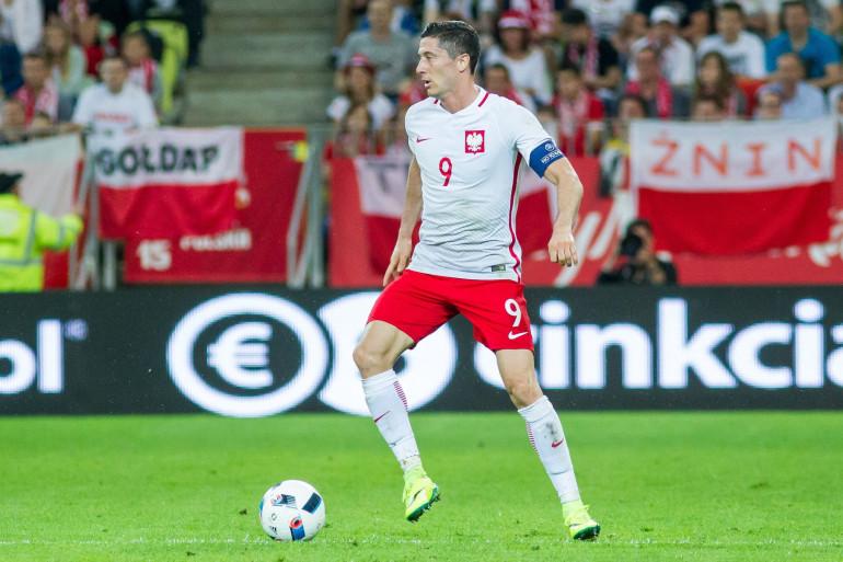 Robert Lewandowski en juin 2016 sous les couleurs de la Pologne