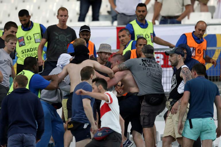 Affrontement entre hooligans russes et anglais à Marseille le 11 juin pour l'Euro 2016 (illustration)