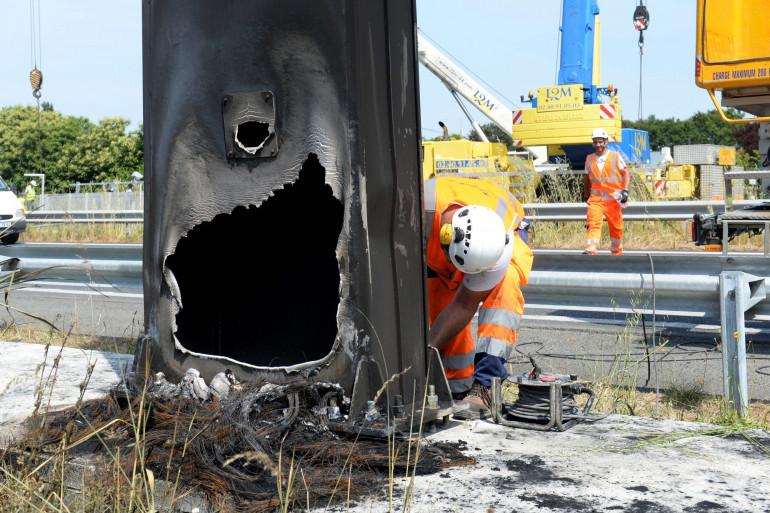 Radar brûlé et vandalisé (Image d'illustration).