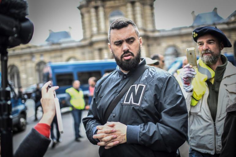 Éric Drouet, lors d'une manifestation de gilets jaunes devant le Sénat, à Paris.