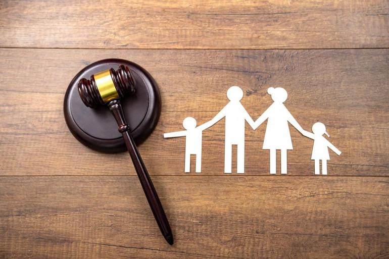 Divorce : puis-je déménager à l'étranger avec mes enfants sans l'accord de mon ex ?