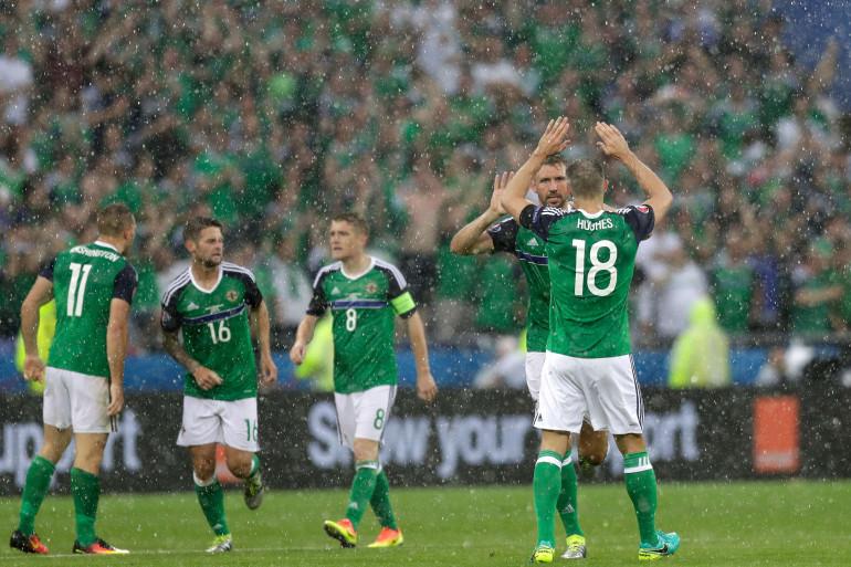 McAuley célèbre son but contre l'Ukraine, jeudi 16 juin 2016