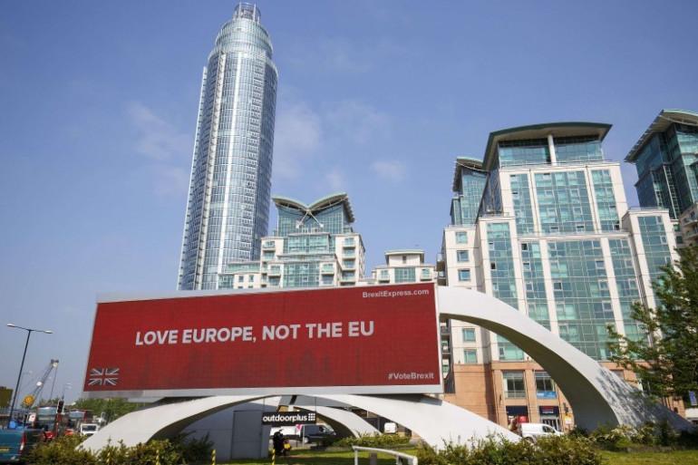 Une affiche pro-Brexit déployée à Londres