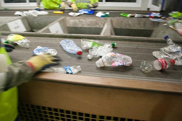 Une usine de tri des déchets