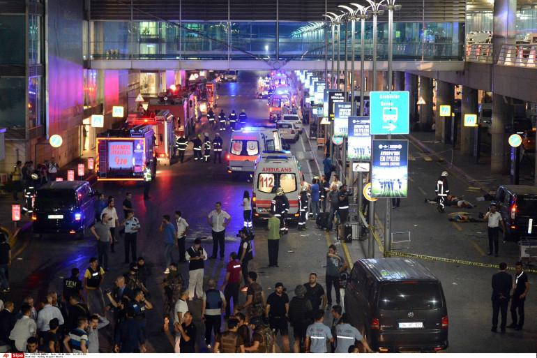 L'aéroport d'Istanbul a été frappé par un attentat meurtrier mardi 28 juin 2016