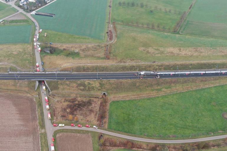 Vue du ciel du TGV qui a déraillé dans le Bas-Rhin ce jeudi 5 mars