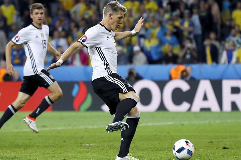Bastian Schweinsteiger, buteur allemand face à l'Ukraine