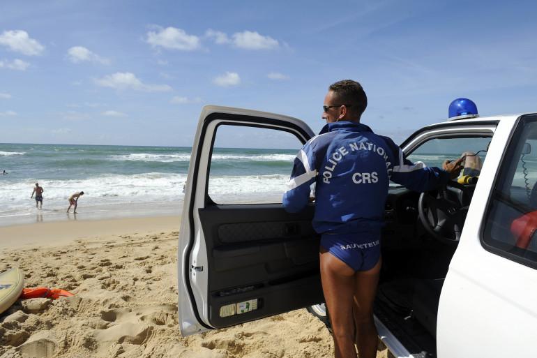Un CRS sur une plage (illustration).