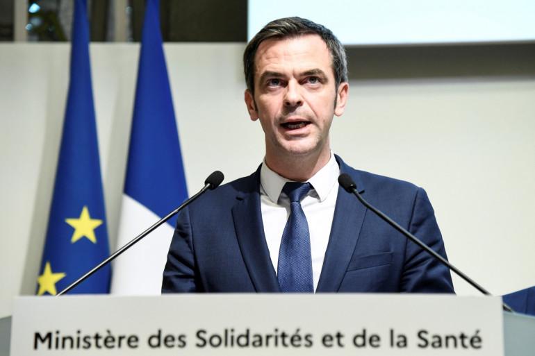 Olivier Véran, lors d'une conférence à Paris, le 6 mars 2020