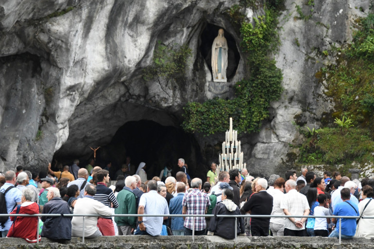 Des pèlerins à Lourdes à l'occasion de l'Assomption, mardi 15 août 2017