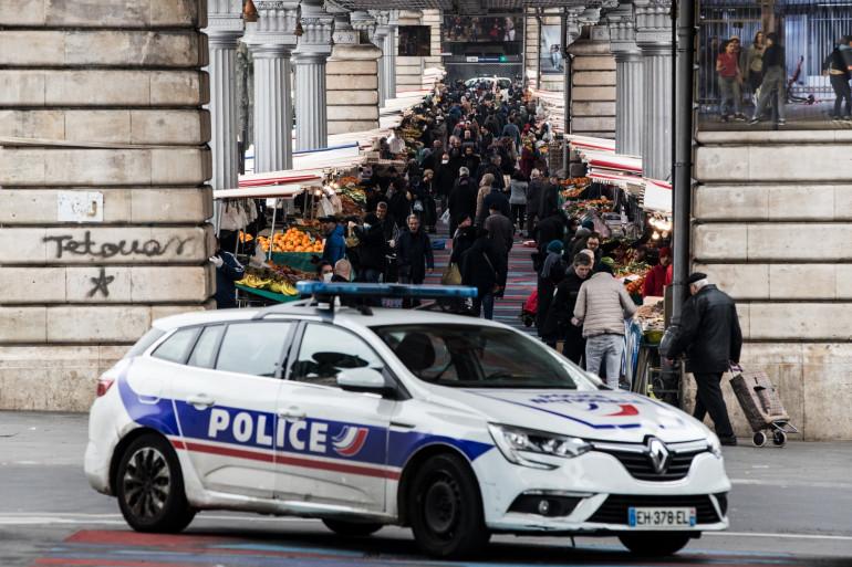 Le marché de Barbès à Paris, le 18 mars 2020