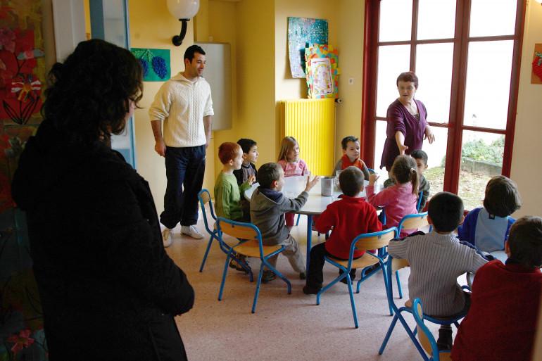 Reims : polémique, un centre aéré demande aux petites filles de porter un short sous leur jupe