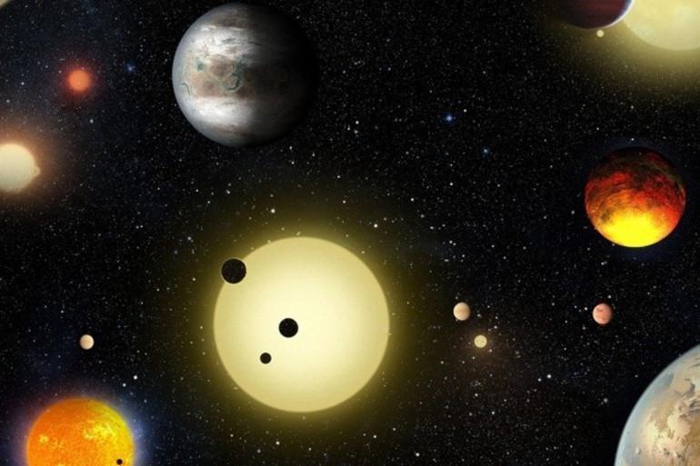 Vue d'artiste de nouvelles exoplanètes découvertes par le télescope spatial Kepler.