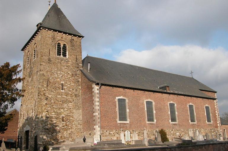 Une église romane en Belgique (illustration)