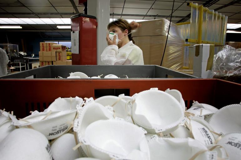 Des masques FFP2 dans une usine (illustration)