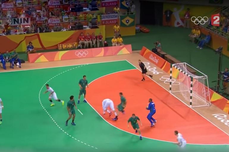 Le gardien brésilien de handball marque le plus beau but du tournoi