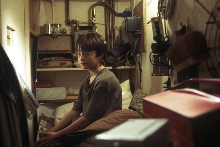 Harry Potter dans son placard sous l'escalier