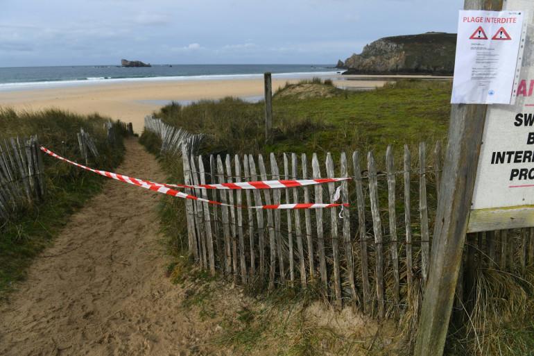 Une plage du Finistère (illustration)