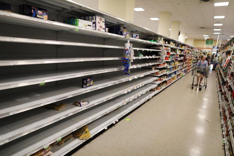 Un rayon vide dans un supermarché de Floride, le 14 mars.