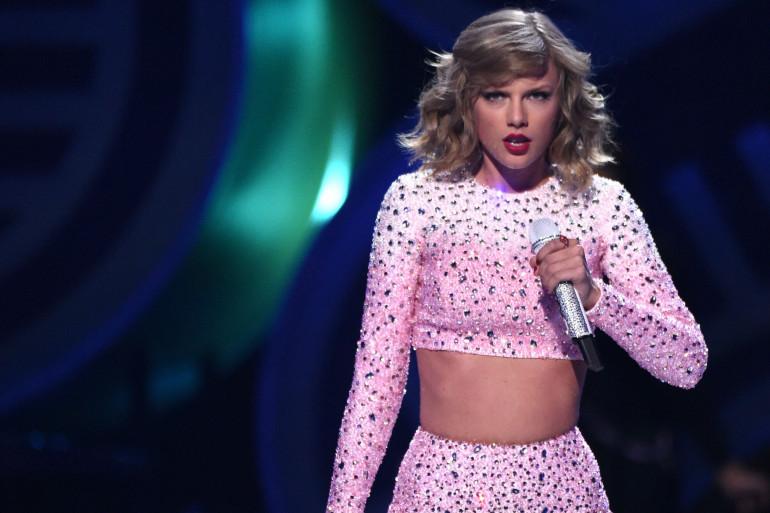 Taylor Swift fait don d'un million de dollars pour les victimes des inondations