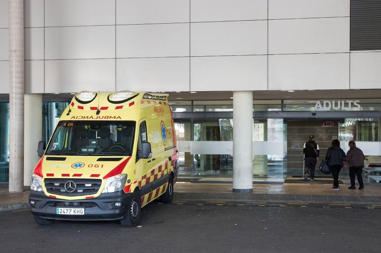 Une ambulance devant un hôpital en Espagne (illustration)