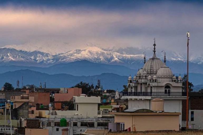 Des sommets de l'Himalaya visibles pour la première fois depuis 30 ans, grâce aux mesures de confinement.