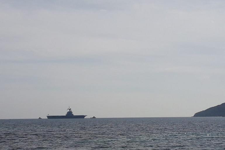 Le porte-avions Charles-de-Gaulle attendu au large de Toulon.