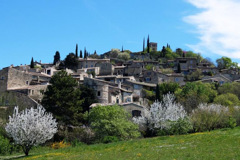 Les faits se sont déroulés dans un hameau de Mirmande, dans la Drôme.