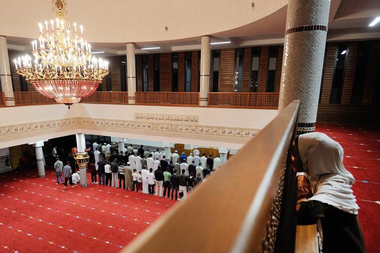 Des fidèles musulmans prient durant le Ramadan, à Nantes