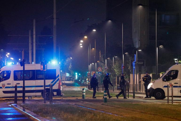 Les forces de l'ordre le dimanche 19 avril à Villeneuve-la-Garenne