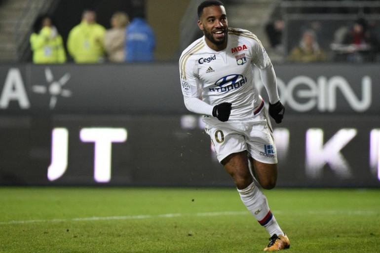 Alexandre Lacazette pourrait devenir le joueur le mieux payé de l'Olympique Lyonnais.
